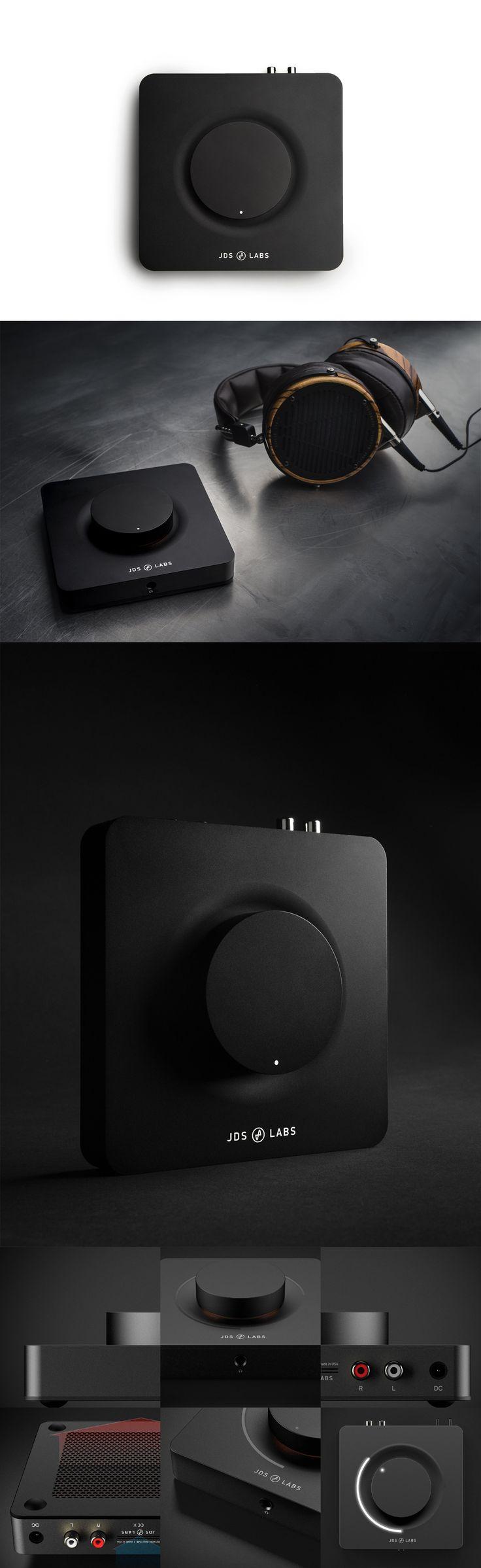 The personal portfolio site of french product designer Elie Ahovi.