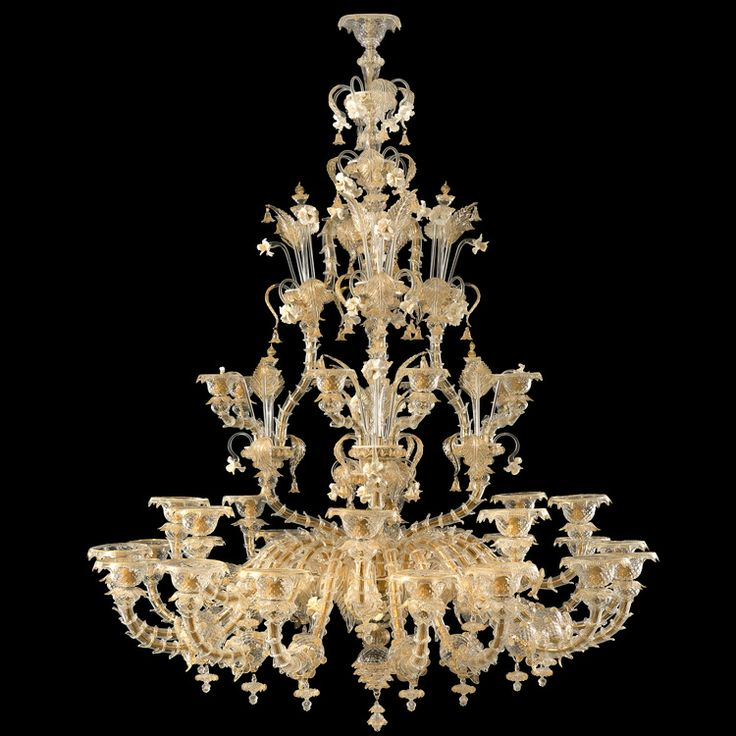 Big size #Rezzonico #chandelier, 32 lights. Crystal and #gold color.