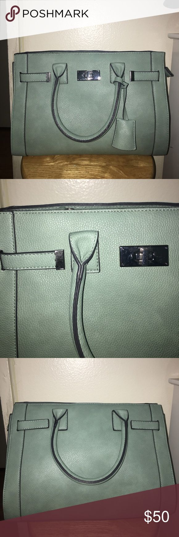 Brand new light green handbag for sale New good material never worn Bags