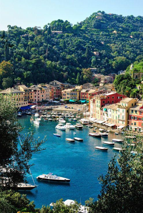 Het havenstadje Portofino, aan de Italiaanse riviera,  in de provincie Genua,  Italië