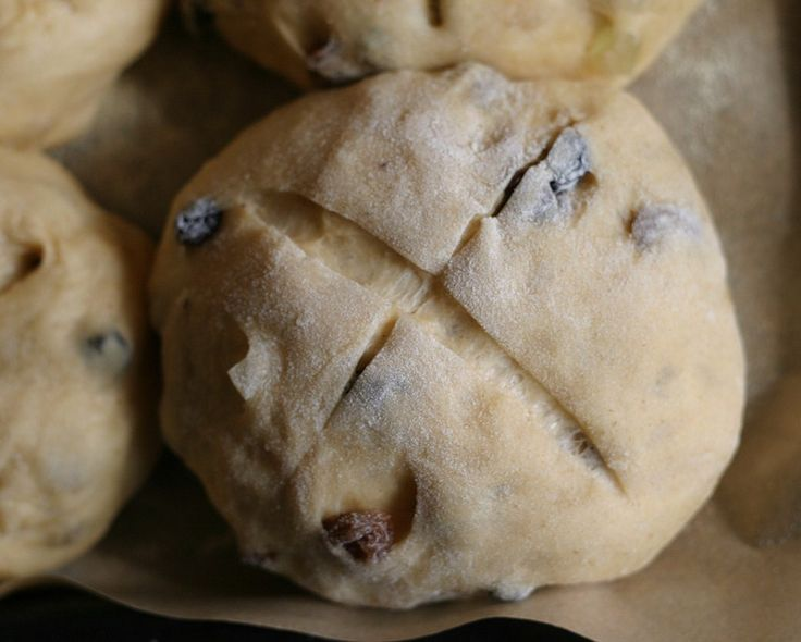 17C American Women: Hot Cross Buns for Easter Week in the 17th-Century English Society