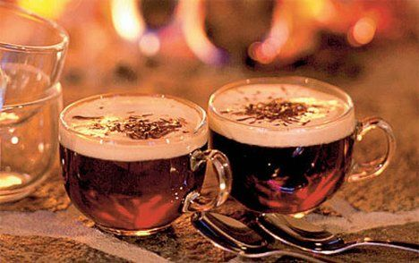 Warm up with a glass of hot glögg, the Swedish form of mulled wine.: Black Christmas, The Holidays, Christmas Holidays, Drinks Recipes, Holidays Drinks, Cafe K-Cup, Wine Drinks, Hot Toddy, Cocktails Recipes