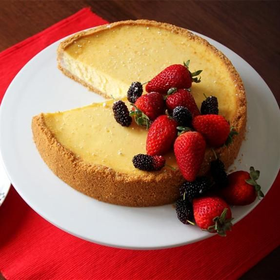 Fresh Berry Baked Cheesecake