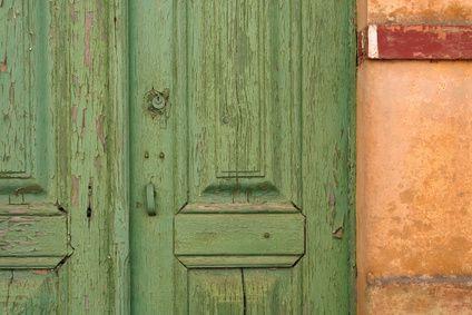 Haz muebles con objetos inusuales | eHow en Español