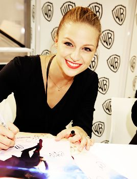 Melissa Benoist at San Diego Comic-con International signing