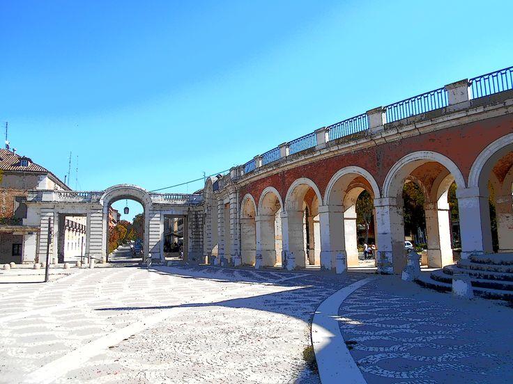 Arcada entre Casa de Infantes y Capilla de San Antonio.