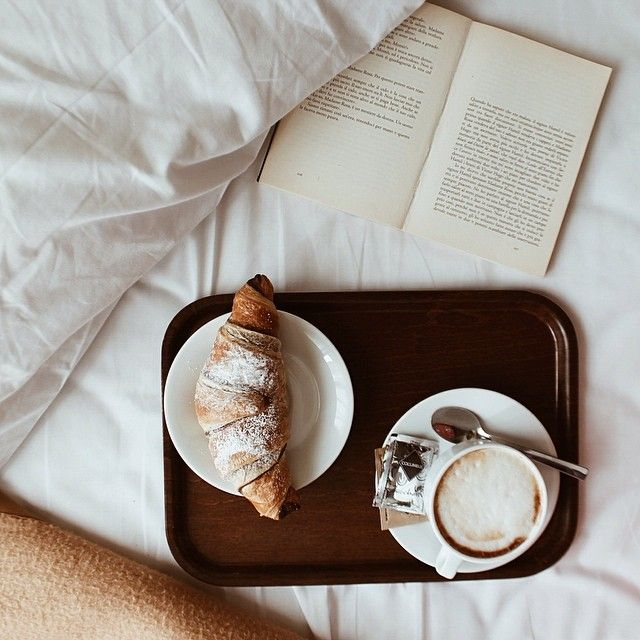 croissant and coffee...that's all i need…this looks so nice and so me