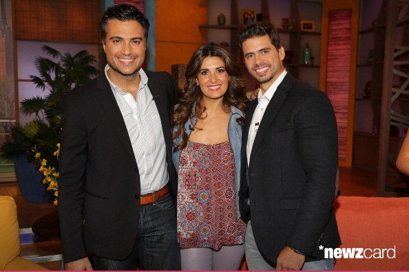 Jaime Camil, Mayrin Villanueva and Pedro Moreno are seen on the set of Univision's 'Despierta America' morning show at Univision Headquarters on September 23, 2013 in Miami, Florida. (Photo by Alexander Tamargo/Getty Images)
