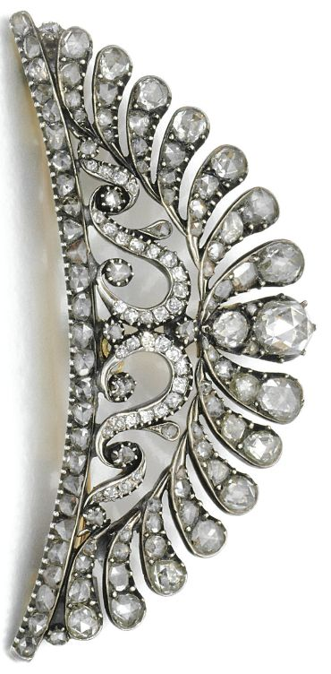 DIAMOND HAIR ORNAMENT, LATE 18TH CENTURY/ EARLY 19TH CENTURY. Of openwork stylised palm and scroll design set with circular-cut and rose diamonds.