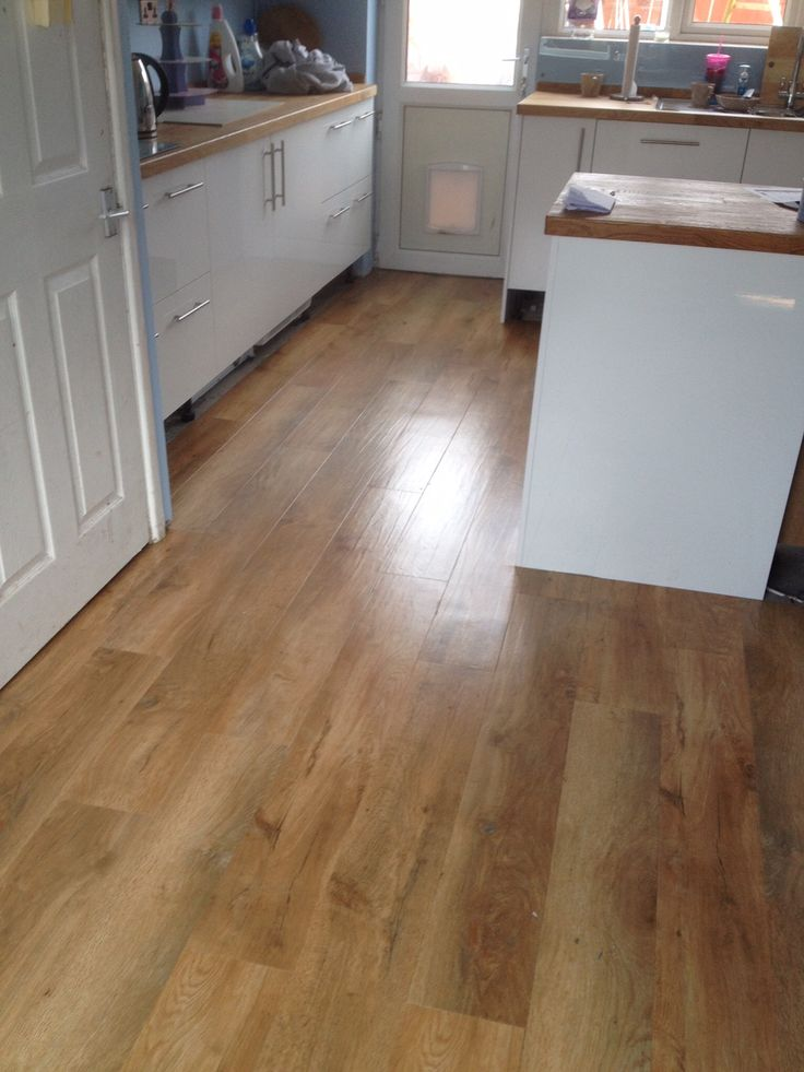 Karndean art select spring oak luxury vinyl tile for Vinyl flooring kitchen
