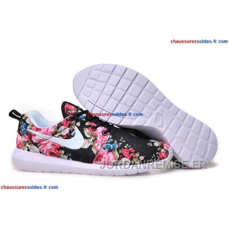 Chaussure Nike Roshe Run Fleur