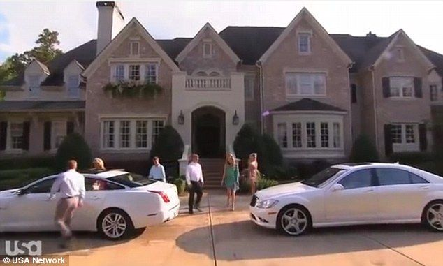 Multimillionaire father exposes his ostentatious lifestyle in ...