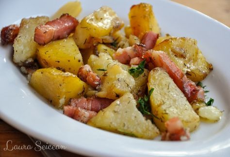 cartofi la cuptor cu bacon și ceapă