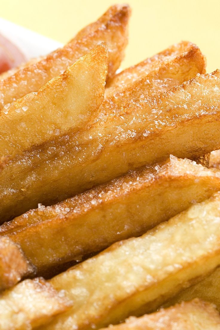 Crispy Turnip 'Fries' 3 lb turnip (peeled) 1 tbsp vegetable oil 1 tsp garlic salt 1 tsp paprika 1 tsp onion powder 425* 20 min if doesnt work, try boiling 1st