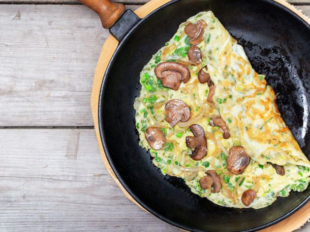 Schnelle Gerichte: Champignon-Omeletts mit Schinken.