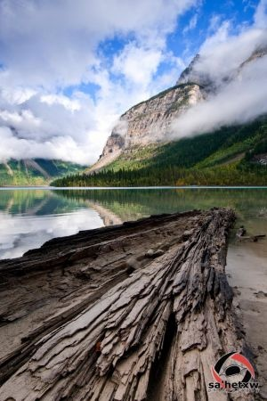 Kinney Lake with Mt Robson, Mt Robson Provincial Park