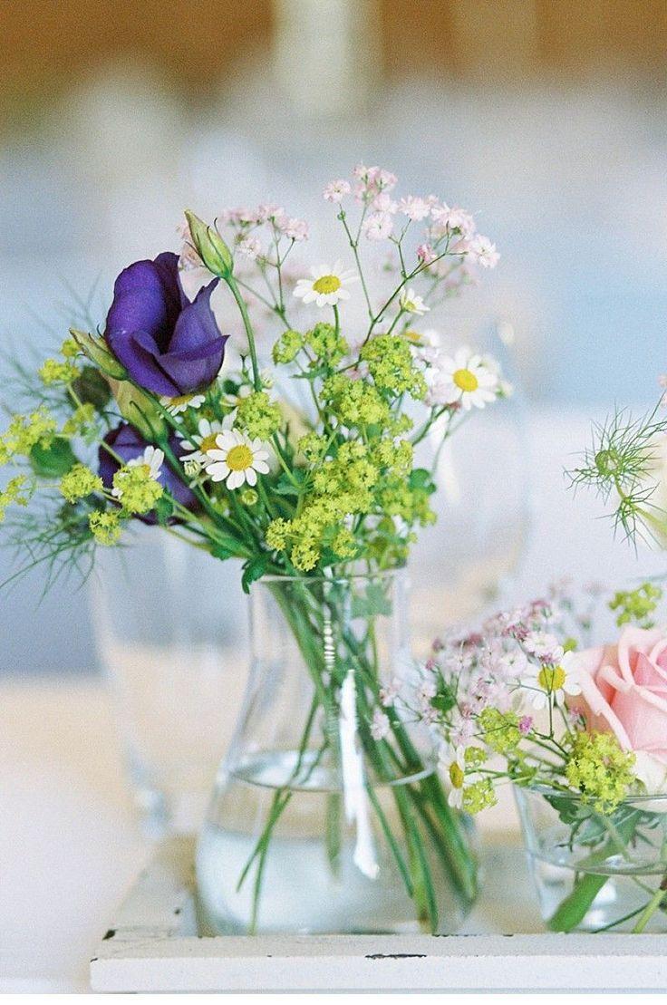 Iris und Bernhard, Wiesenblumen-Hochzeit in Salzburg von Siegrid Cain Photography - Hochzeitsguide