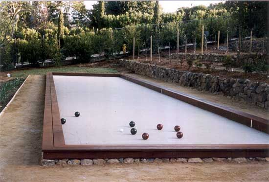 how to make a petanque court