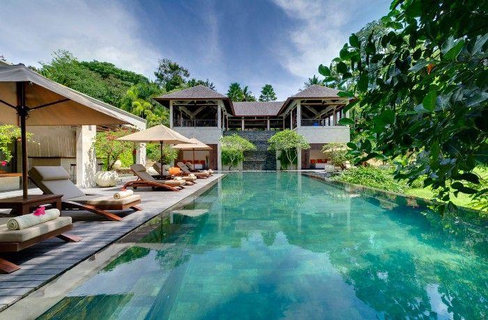 Villa Arsana pool and sun loungers