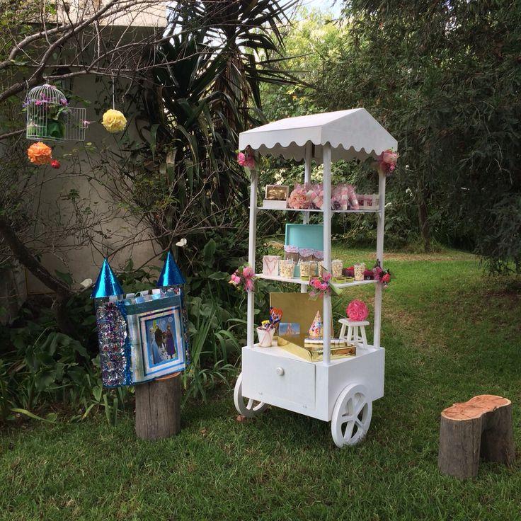 Carrito de madera para fiestas carros de madera for Carritos chuches comunion