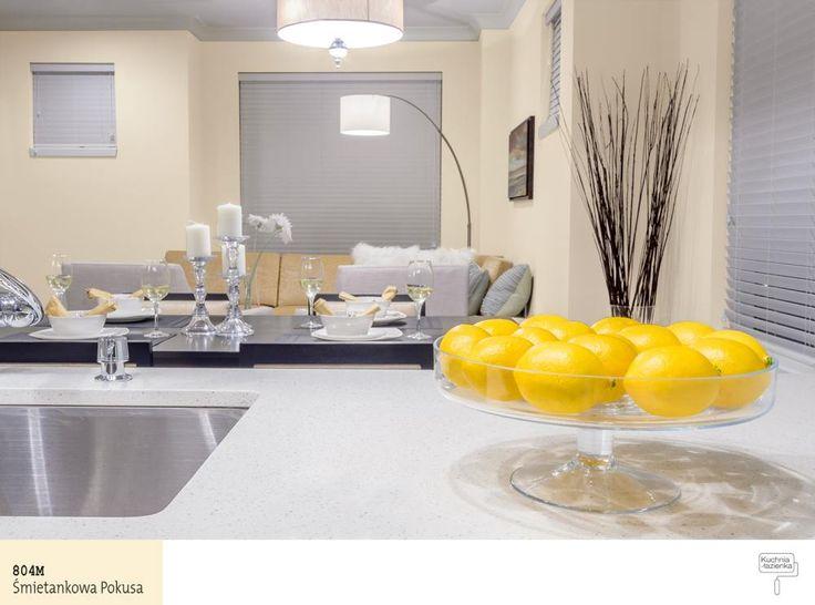 Delikany odcień koloru żółtego wkuchni
