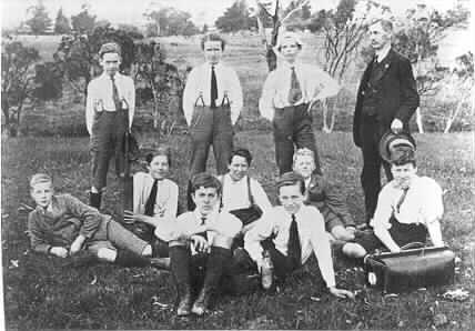 MP 7361. Schoolboy Excursion to Gardiners Creek; c.1920.