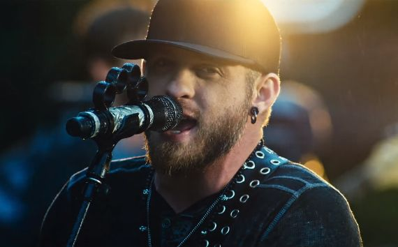"""Watch Brantley Gilbert Piece Together The Night Before In """"Stone Cold Sober"""" Video"""