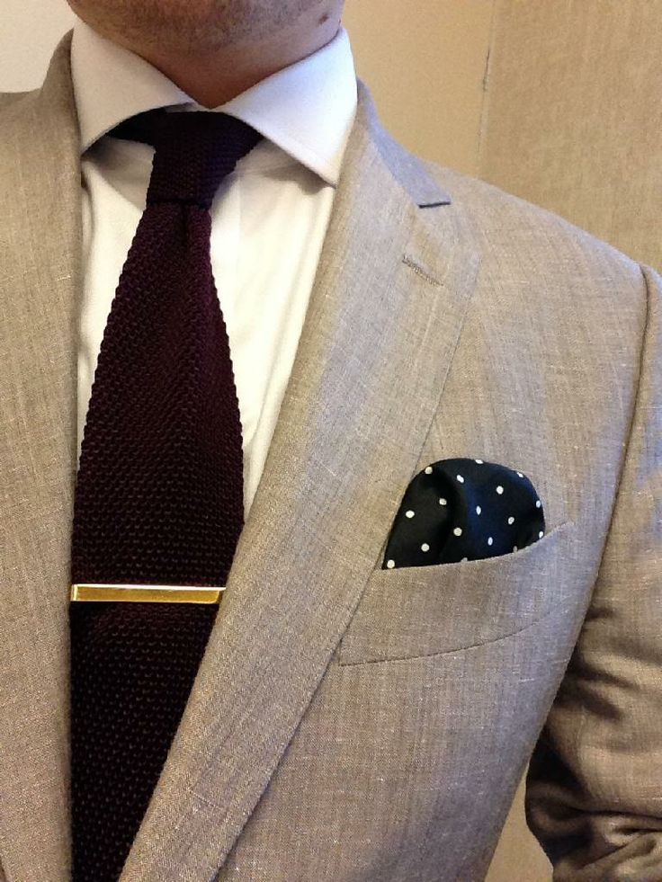 Linen Blazer from tc:ny, Silk Knit Tie from The Tie Bar, Shirt by Charles Tyrwhitt, Pocket Square from Reiss