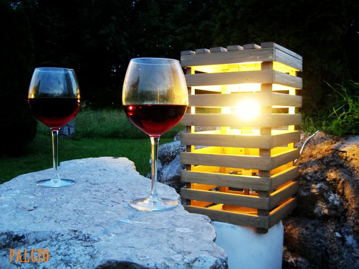 "Long summer nights in the company of loved one and romantic light made out of recycled pallets. [symple_box color=""gray"" fade_in=""false"" float=""center"" text_align=""left"" width=""100%""] Website: Palcio ! [/symple_box]"