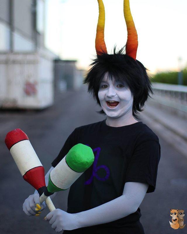 Gamzee From Homestuck ♑ Gamzee ⏩ Kyari  Photo ➡ @mirisaur_photography   #homestuck #cosplay #cosplayer #homestuckcosplay #gamzee #troll #valkyrie_sisters #honk #horoscopo #purple #crazy #gamzeemakara #gamzeemakaracosplay #trollcosplay #capricorn #capricornio #homestucktrolls #highblood #horns #makeup #makara #clown