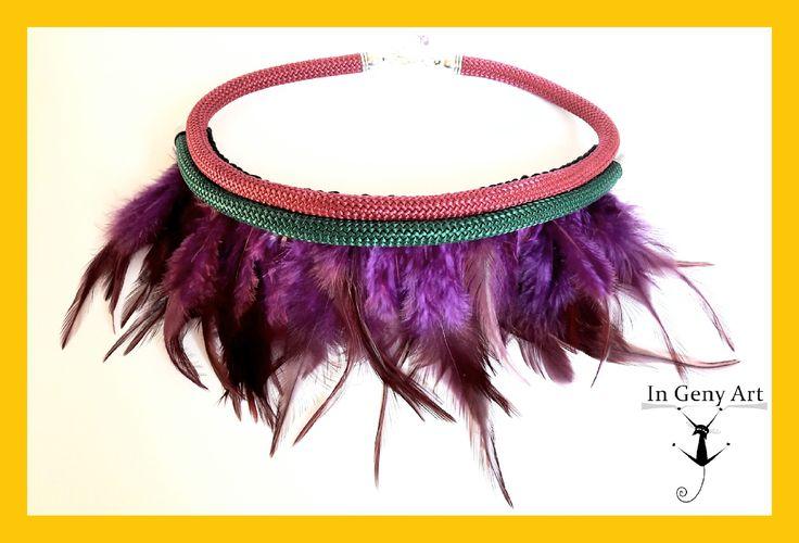 Nuevo!! Collar cordón rosa y verde con plumas moradas!! #ingenyart #arteaman New! Necklace cord pink and green with purple feathers!