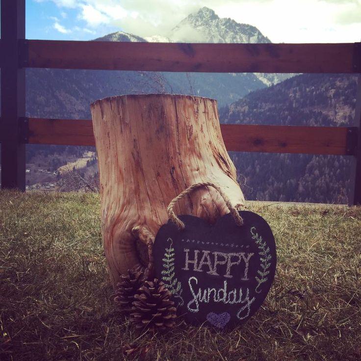 È domenica! Sorridi, respira e goditi la bellezza della vita ♡