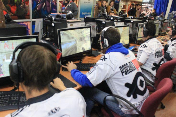 ParadoxGamer Tt-eSports yedek kadro ile adeks asus turnuvasına katılmıştır ... http://portal.paradoxgamer.com/?p=1970