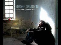 Testo e video ufficiale della canzone Ti regalerò una rosa del trentottenne cantautore romano Simone Cristicchi, che con questo brano vinse l'edizione 2007 del Festival di Sanremo