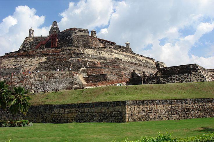 Cartagena enamora a sus visitantes por los encantos en su variedad arquitectónica