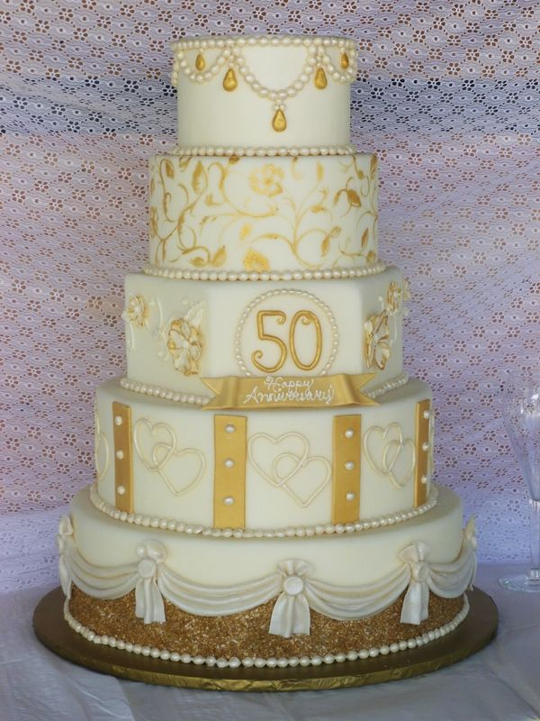 Cake Decorating Ideas For 50th Wedding Anniversary : 25+ best ideas about Golden Anniversary Cake on Pinterest ...