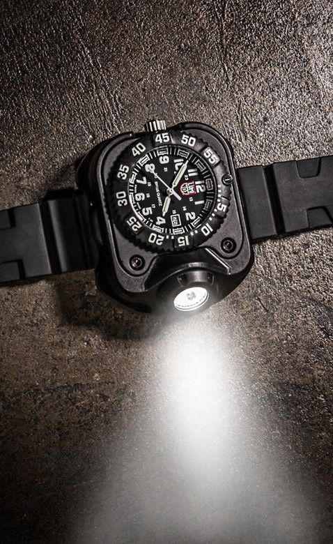 SureFire 2211 Luminox Rechargeable Variable Output LED EDC Tactical Wrist Light & Watch