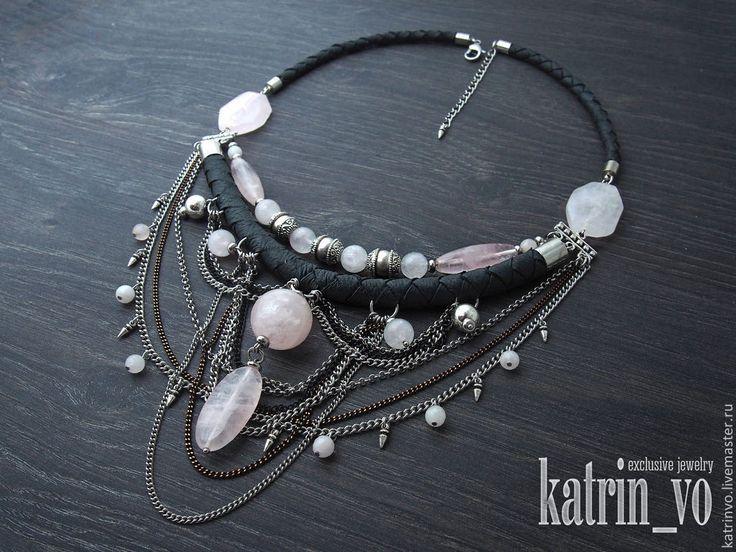 """Купить Колье с розовым кварцем """"Затмение"""". Украшение с натуральной кожей - серый, ожерелье, колье"""