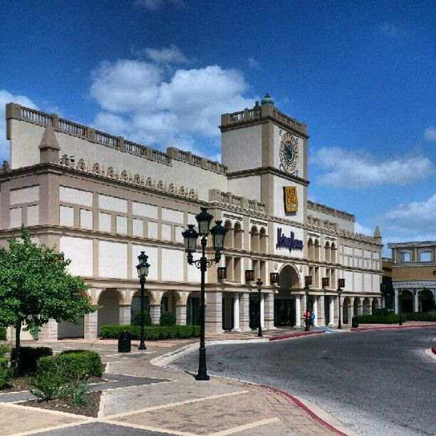 San Marcos Premium Outlets in San Marcos, TX