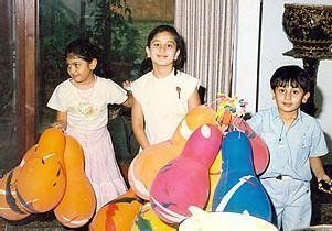 Ranbir Kapoor childhood picture with Kareena Kapoor and Riddhima Kapoor