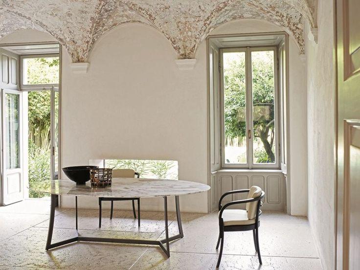 Téléchargez le catalogue et demandez les prix de King | table ovale by Ciacci, mange-debout ovale design Anna Wetzel, collection King