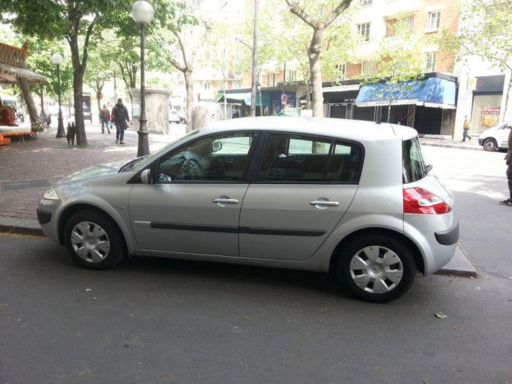 la voiture marche très bien. Louer VOITURE Renault Megane Paris 11ème (75011)