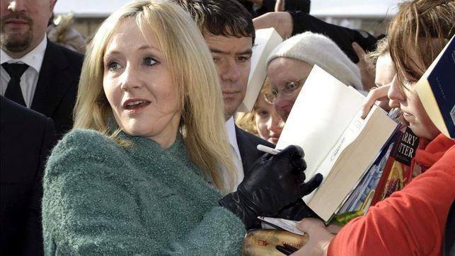 Rowling publicará en Navidad nuevos textos sobre Harry Potter