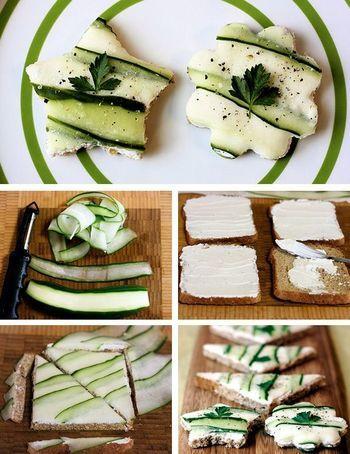 薄くピールしたキュウリがボーダー柄のようで可愛らしいオープンサンド。マーガリンやクリームチーズを食パンに塗り、ピールしたきゅうりを斜めに並べます。両端を切って三角にきってもよし、好きな形にくりぬいてもよし。コショウをふりかけパセリをのせてアクセント。