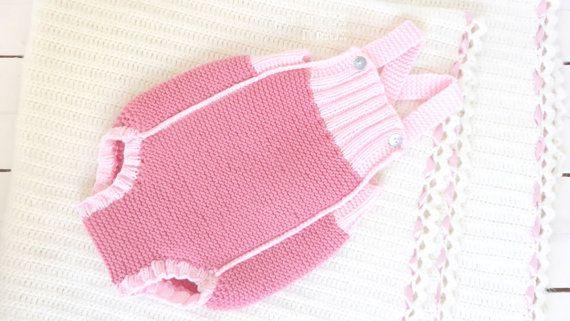 Knit Baby romper  handmade onesies  baby pants  by pontinhosmeus