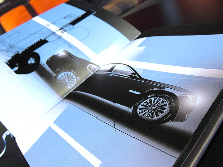 DM piece contained a personalized novel introducing the new BMW 7 Series (illustration: Vladimír 518)