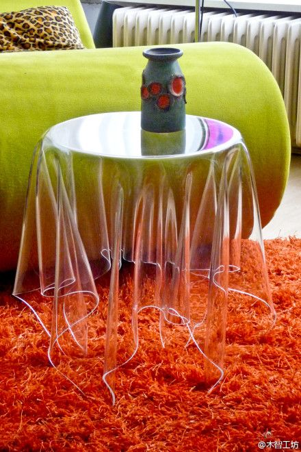 LOVE this table !! Glass Illusion Table -- It looks awesome but super fragile (and dangerous)