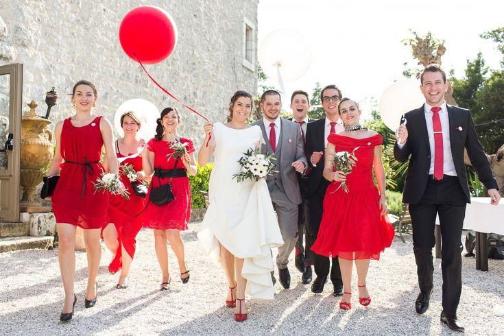 Un mariage en rouge et blanc ! http://lisarenault.pass.us/mariage-agathe-et-pierre