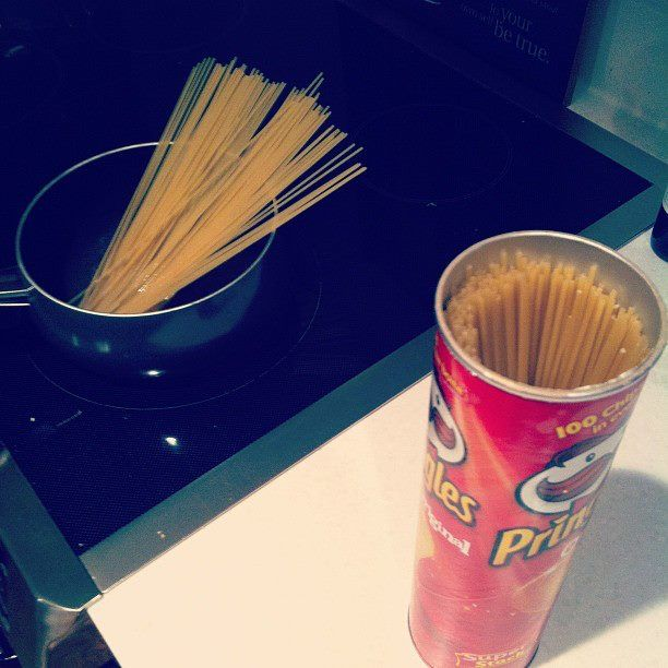 Use a Pringle can to store pasta. ----  School Hacks And Organization Tips You'll Love.