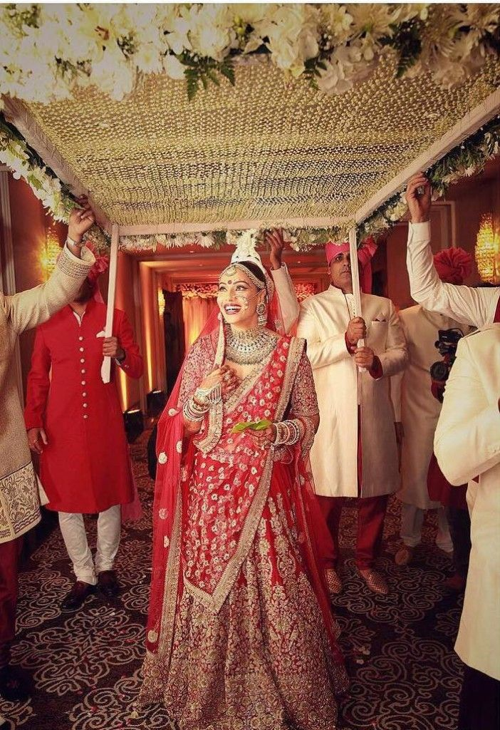 Bipasha & Karan Grover Wedding Pics 30th April 2016 For more pics and details visit official site: www.bollywoodslides.in
